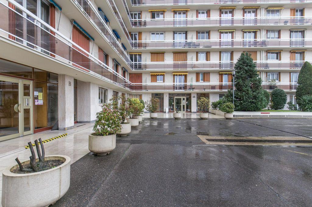 Appartement à vendre 3 62m2 à La Varenne - Saint-Maur-des-Fossés vignette-10