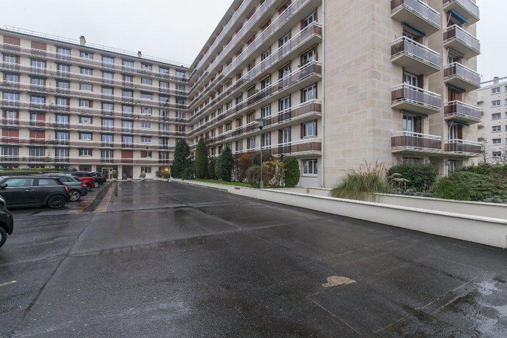 Appartement à vendre 3 62m2 à La Varenne - Saint-Maur-des-Fossés vignette-11
