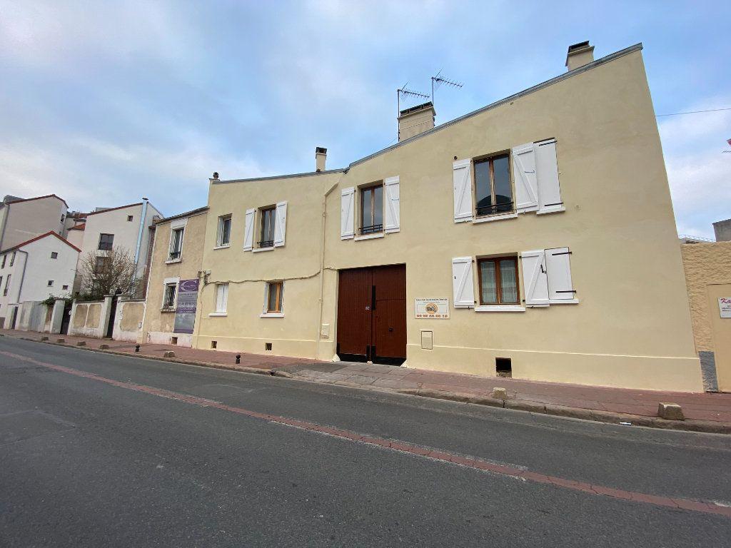 Appartement à louer 2 28.87m2 à Saint-Maur-des-Fossés vignette-1