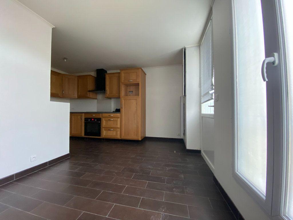 Appartement à louer 2 28.87m2 à Saint-Maur-des-Fossés vignette-2