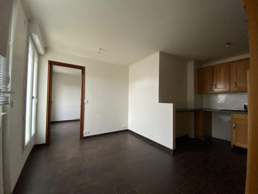 Appartement à louer 2 28.87m2 à Saint-Maur-des-Fossés vignette-3