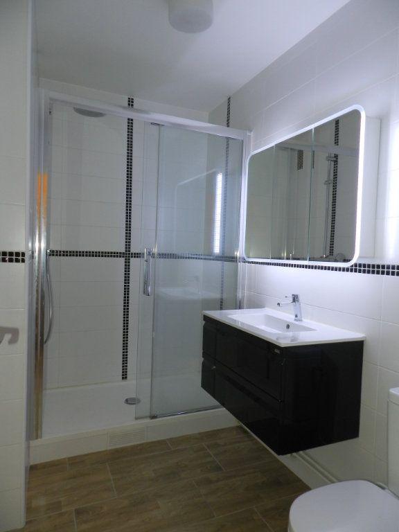Appartement à louer 2 40.53m2 à La Varenne - Saint-Maur-des-Fossés vignette-3