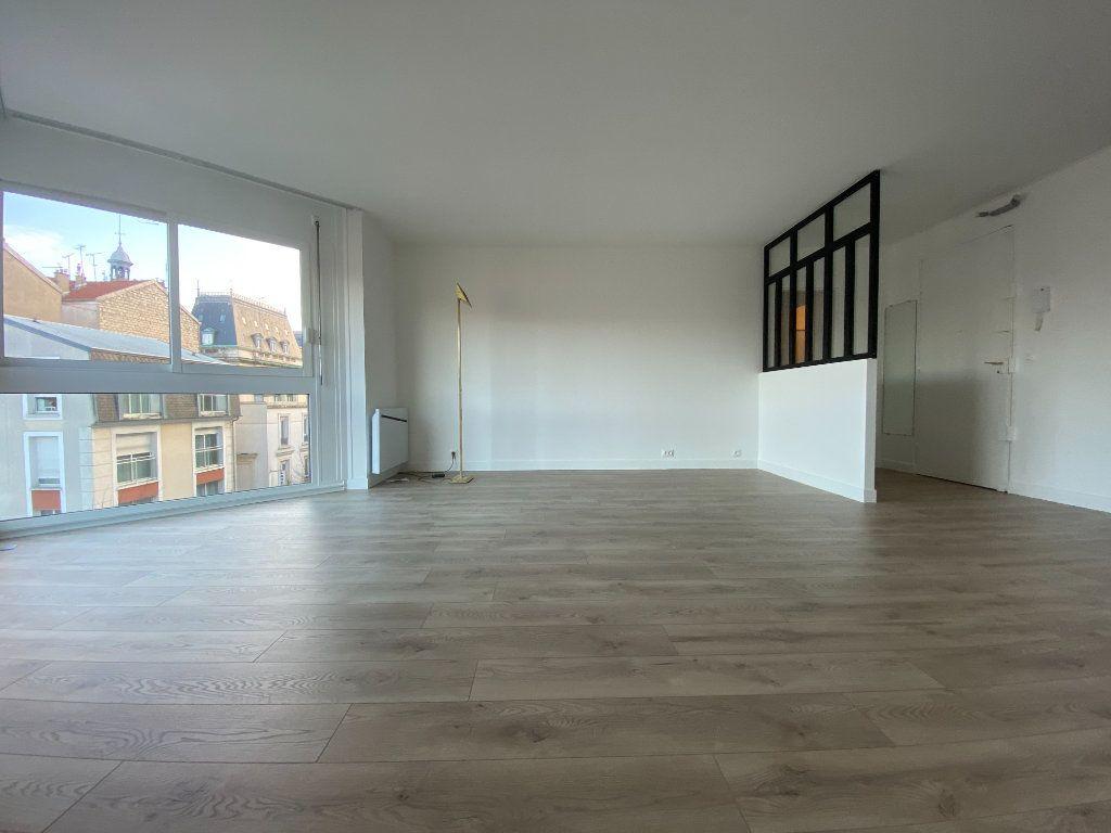 Appartement à louer 2 57.39m2 à Saint-Maur-des-Fossés vignette-1