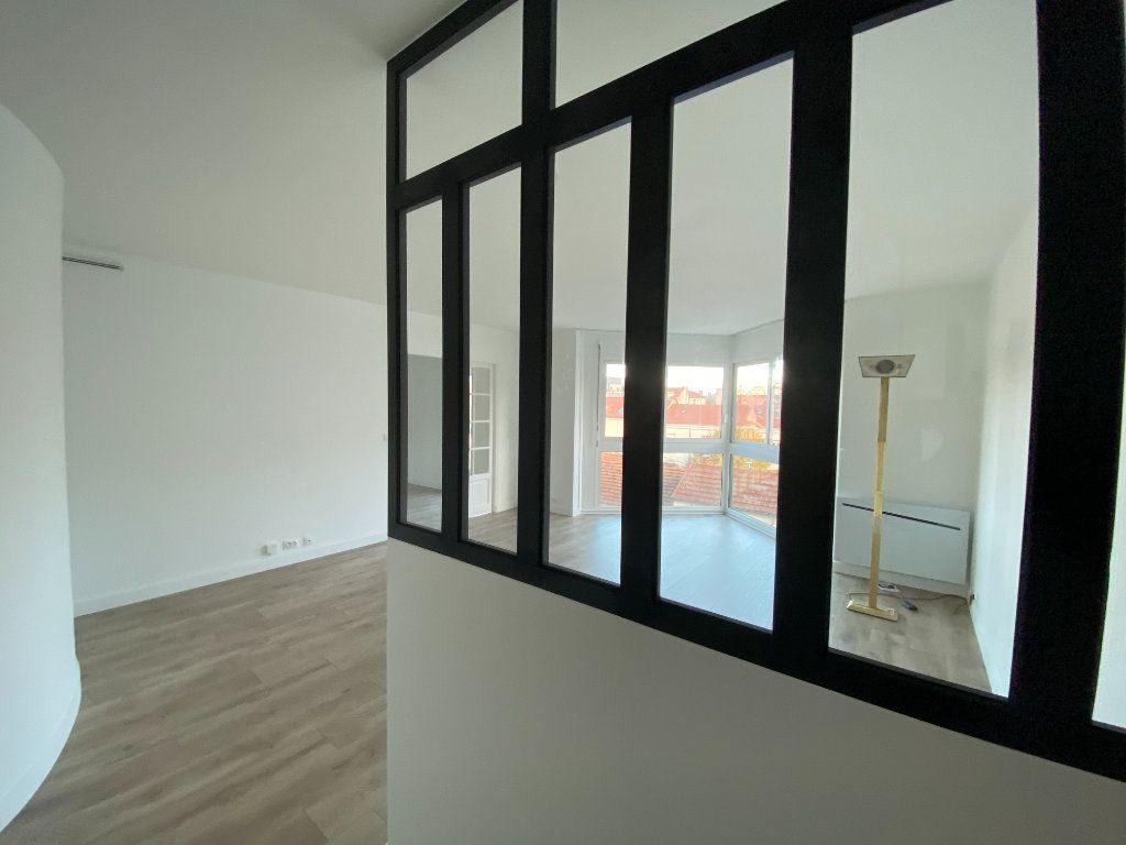 Appartement à louer 2 57.39m2 à Saint-Maur-des-Fossés vignette-2