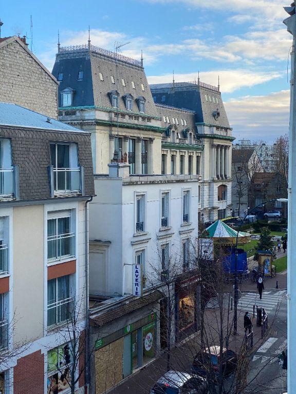 Appartement à louer 2 57.39m2 à Saint-Maur-des-Fossés vignette-5