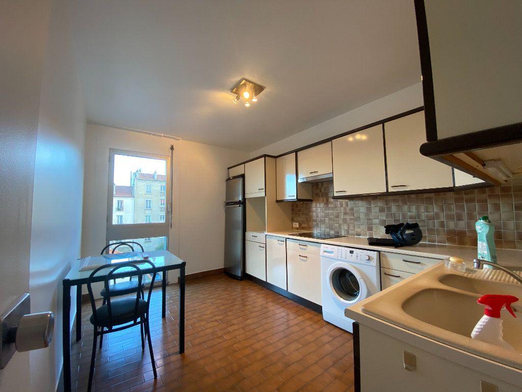 Appartement à louer 2 57.39m2 à Saint-Maur-des-Fossés vignette-10