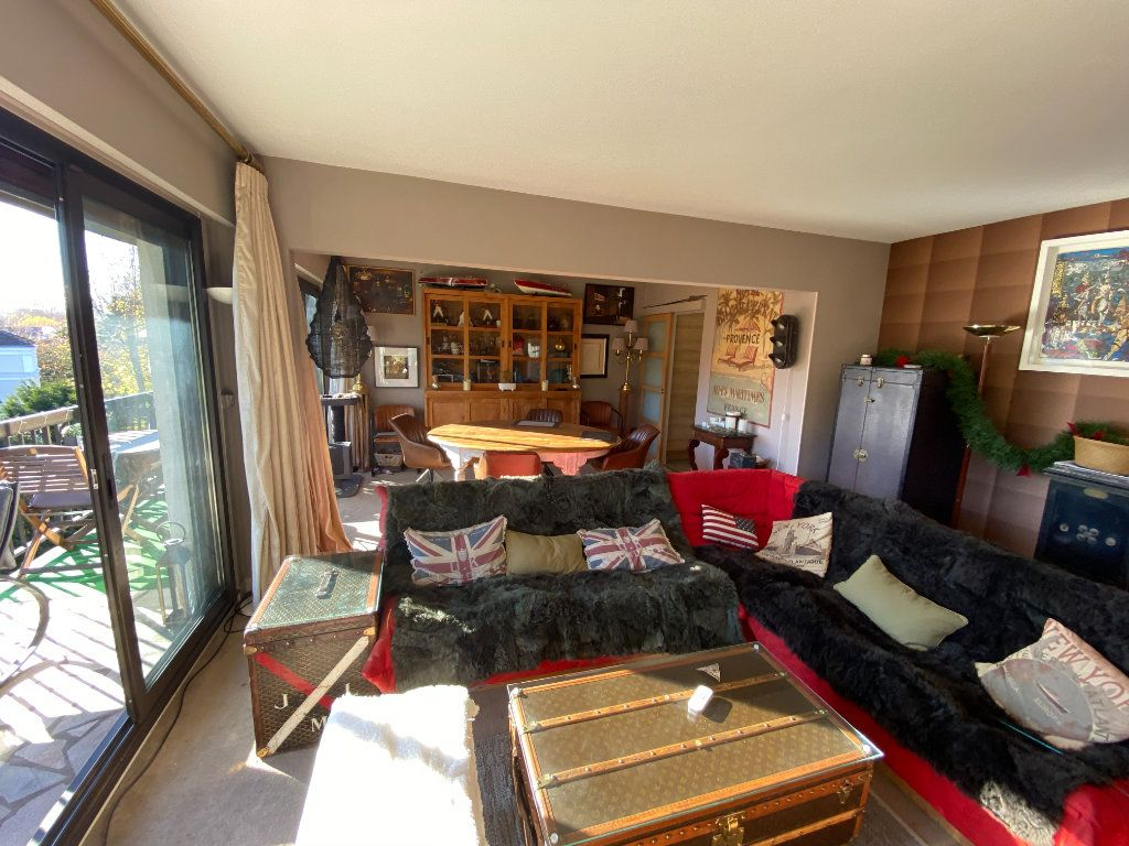 Appartement à vendre 5 106.21m2 à La Varenne - Saint-Maur-des-Fossés vignette-5