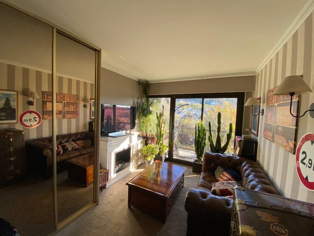 Appartement à vendre 5 106.21m2 à La Varenne - Saint-Maur-des-Fossés vignette-8