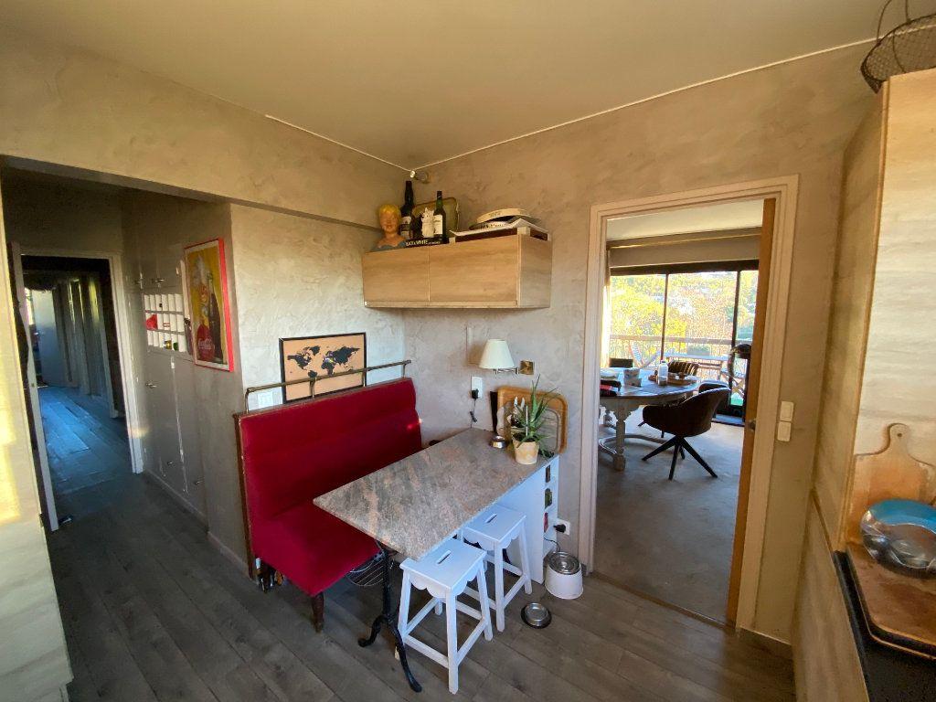 Appartement à vendre 5 106.21m2 à La Varenne - Saint-Maur-des-Fossés vignette-11