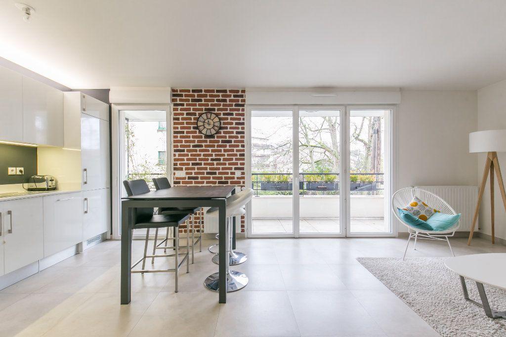 Appartement à vendre 3 68.26m2 à La Varenne - Saint-Maur-des-Fossés vignette-2