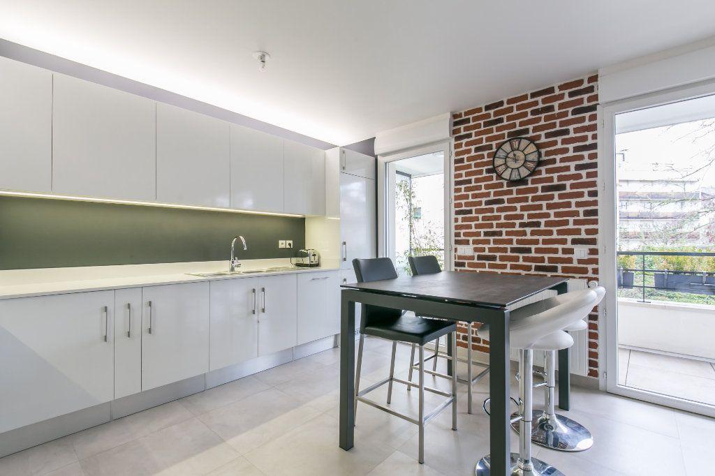 Appartement à vendre 3 68.26m2 à La Varenne - Saint-Maur-des-Fossés vignette-3
