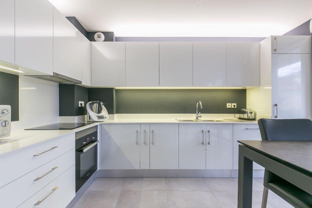 Appartement à vendre 3 68.26m2 à La Varenne - Saint-Maur-des-Fossés vignette-5