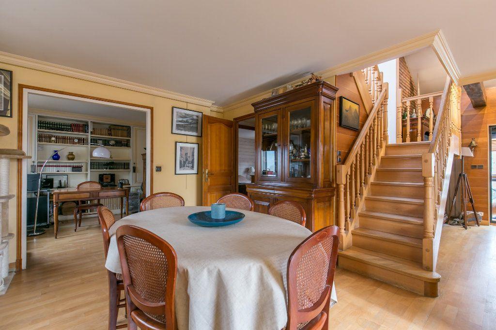 Maison à vendre 5 113.7m2 à Saint-Maur-des-Fossés vignette-6