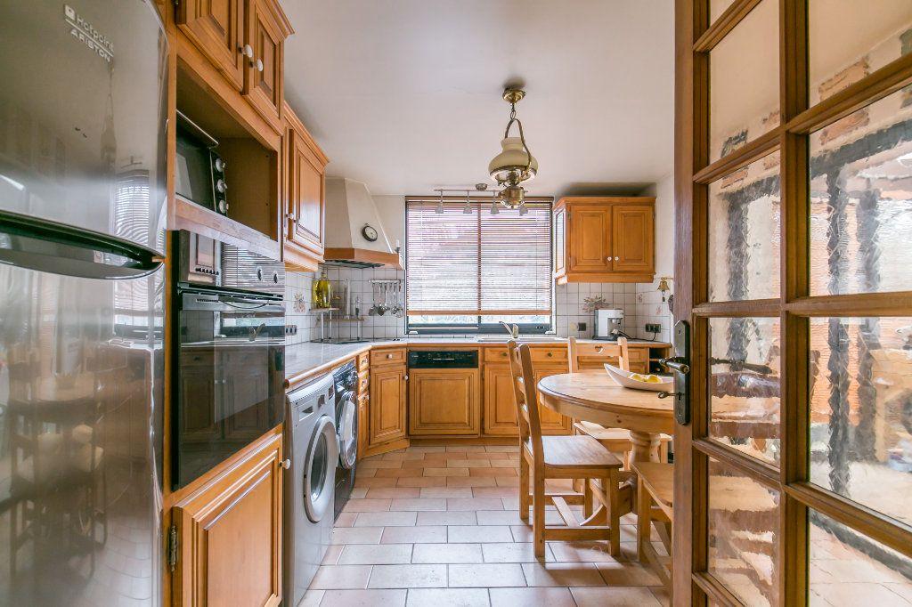 Maison à vendre 5 113.7m2 à Saint-Maur-des-Fossés vignette-9