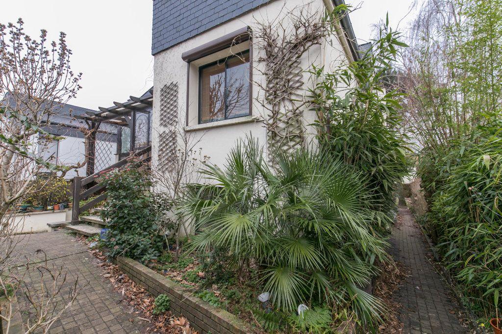 Maison à vendre 5 113.7m2 à Saint-Maur-des-Fossés vignette-11