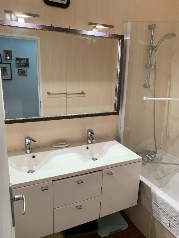 Appartement à vendre 3 75.29m2 à La Varenne - Saint-Maur-des-Fossés vignette-9