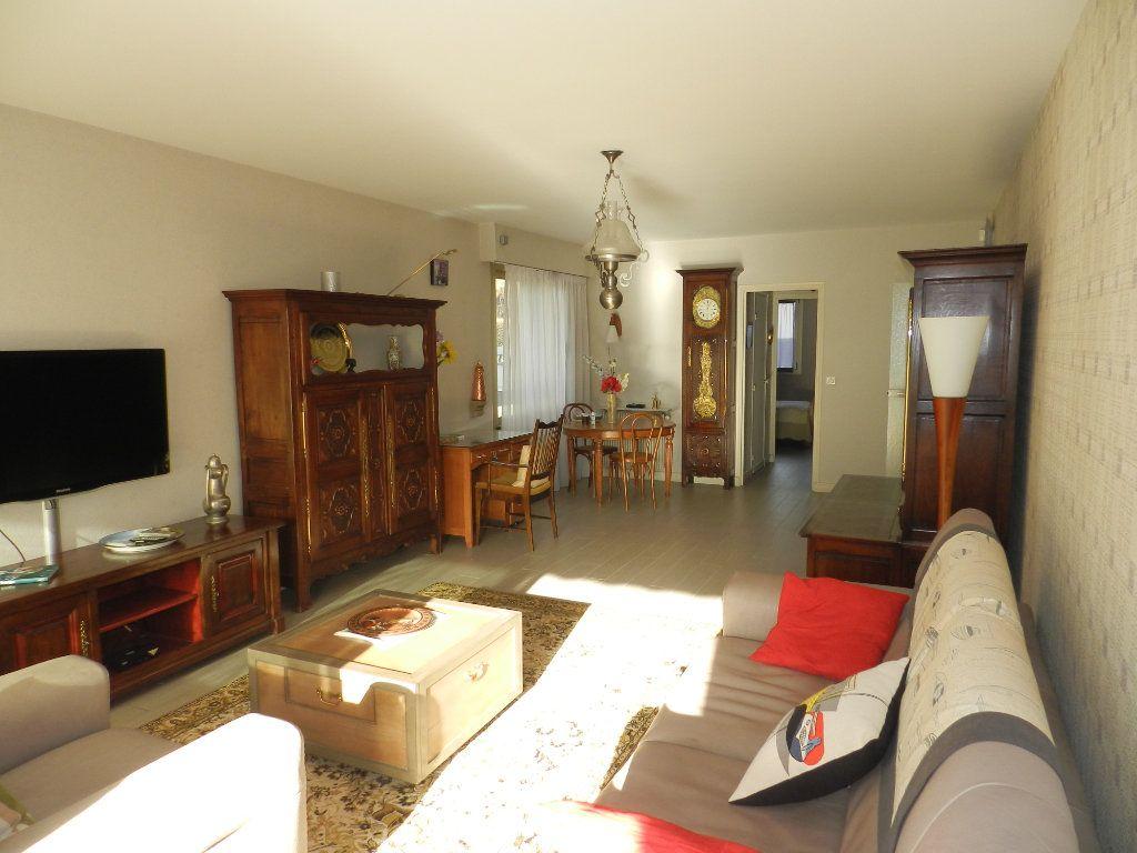 Appartement à vendre 3 84.7m2 à La Varenne - Saint-Maur-des-Fossés vignette-3