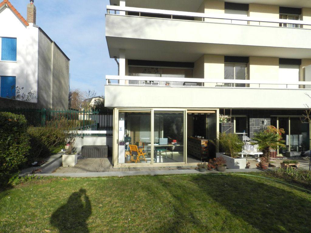 Appartement à vendre 3 84.7m2 à La Varenne - Saint-Maur-des-Fossés vignette-4