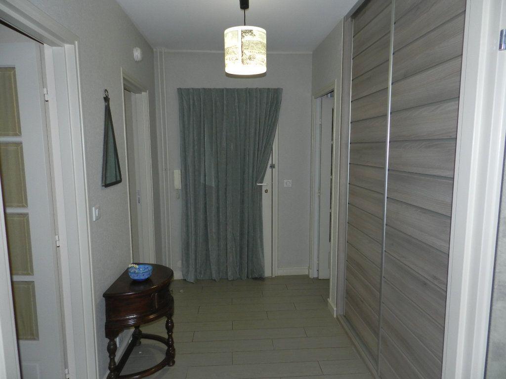Appartement à vendre 3 84.7m2 à La Varenne - Saint-Maur-des-Fossés vignette-7