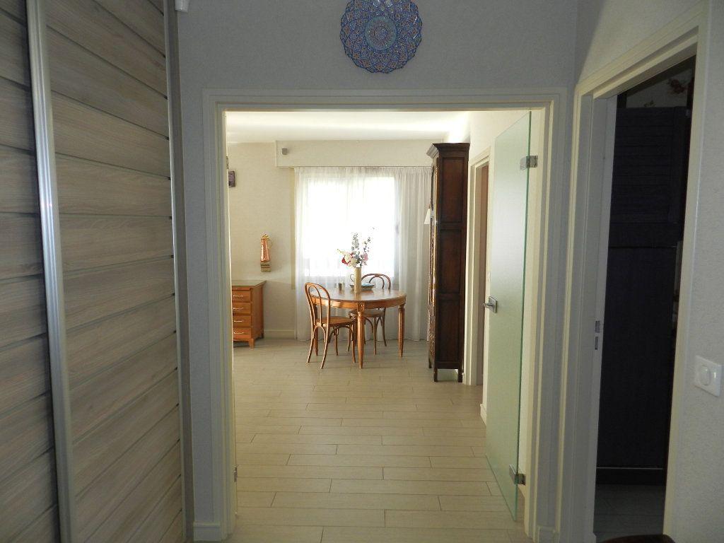 Appartement à vendre 3 84.7m2 à La Varenne - Saint-Maur-des-Fossés vignette-8