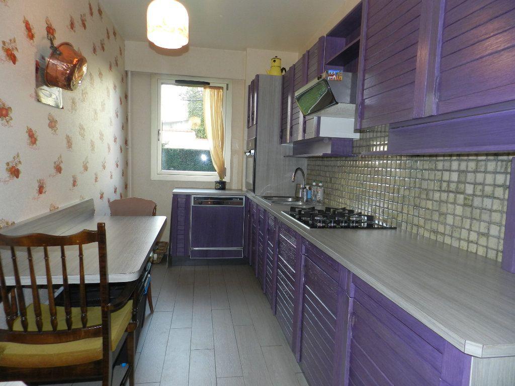 Appartement à vendre 3 84.7m2 à La Varenne - Saint-Maur-des-Fossés vignette-9
