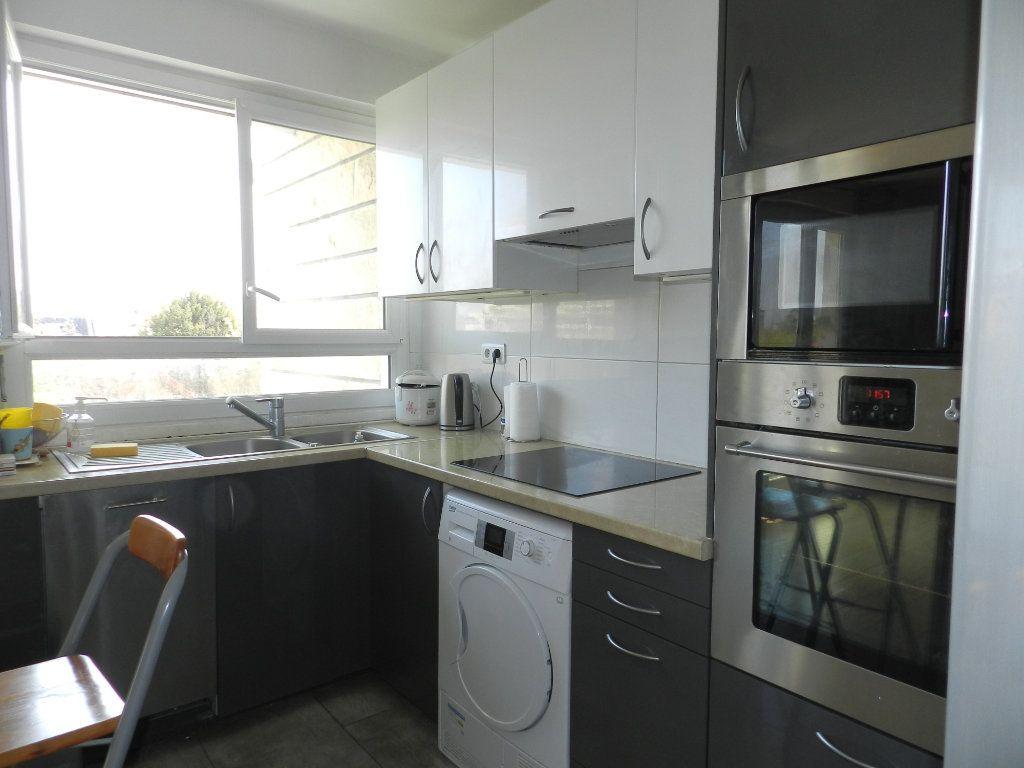 Appartement à vendre 3 61.46m2 à Saint-Maur-des-Fossés vignette-2