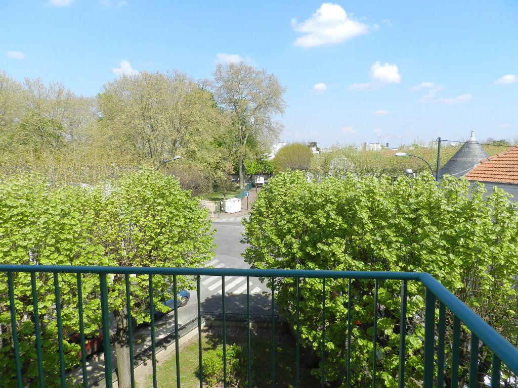 Appartement à vendre 3 61.46m2 à Saint-Maur-des-Fossés vignette-5