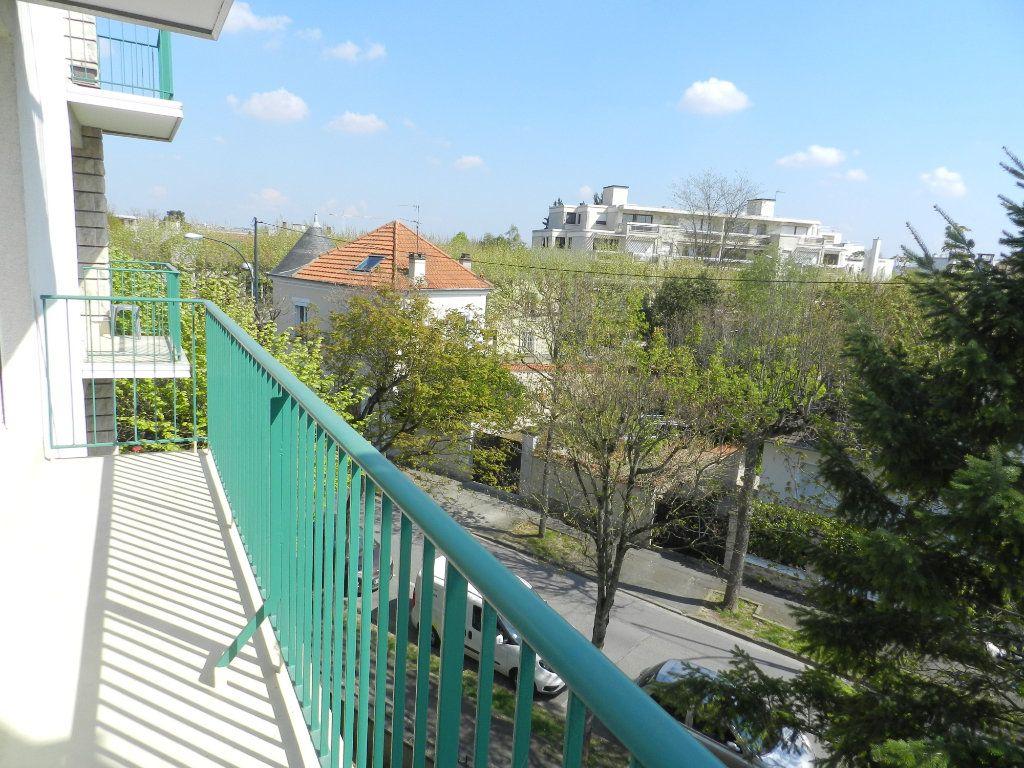 Appartement à vendre 3 61.46m2 à Saint-Maur-des-Fossés vignette-6