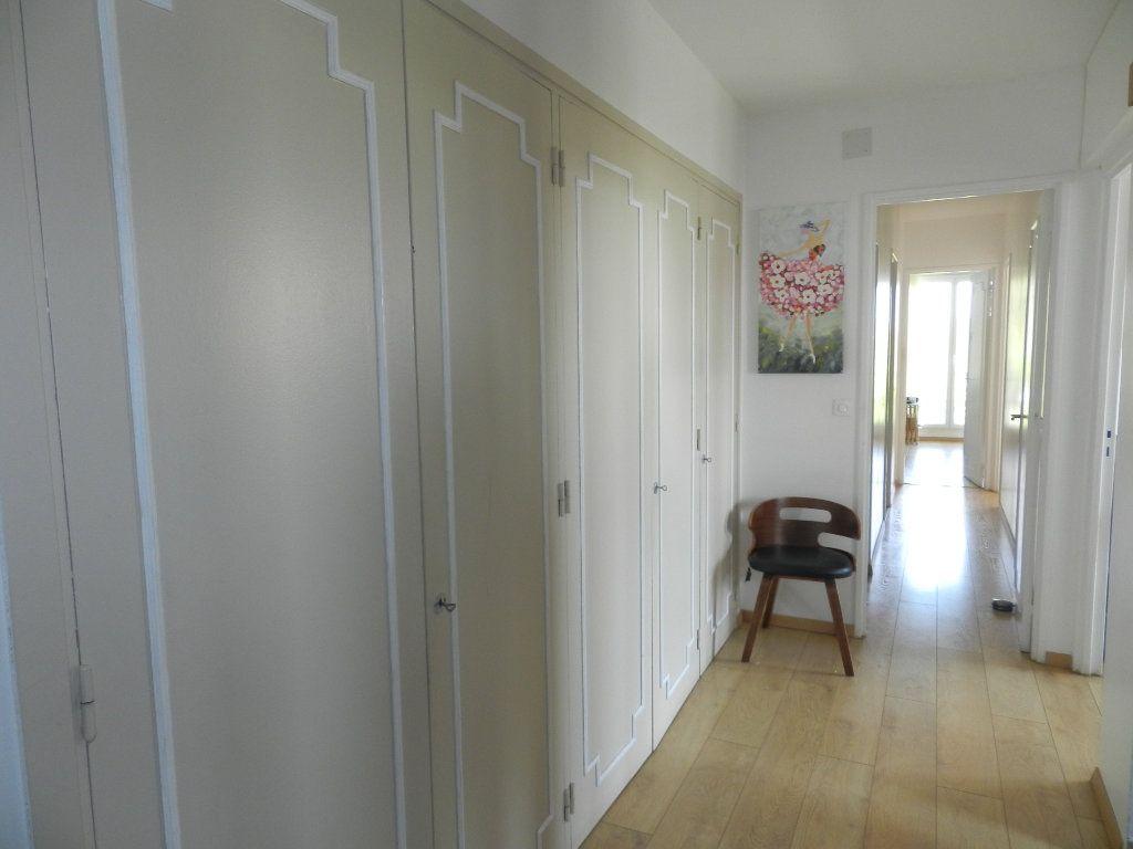 Appartement à vendre 3 61.46m2 à Saint-Maur-des-Fossés vignette-7