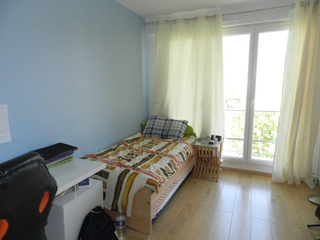Appartement à vendre 3 61.46m2 à Saint-Maur-des-Fossés vignette-10