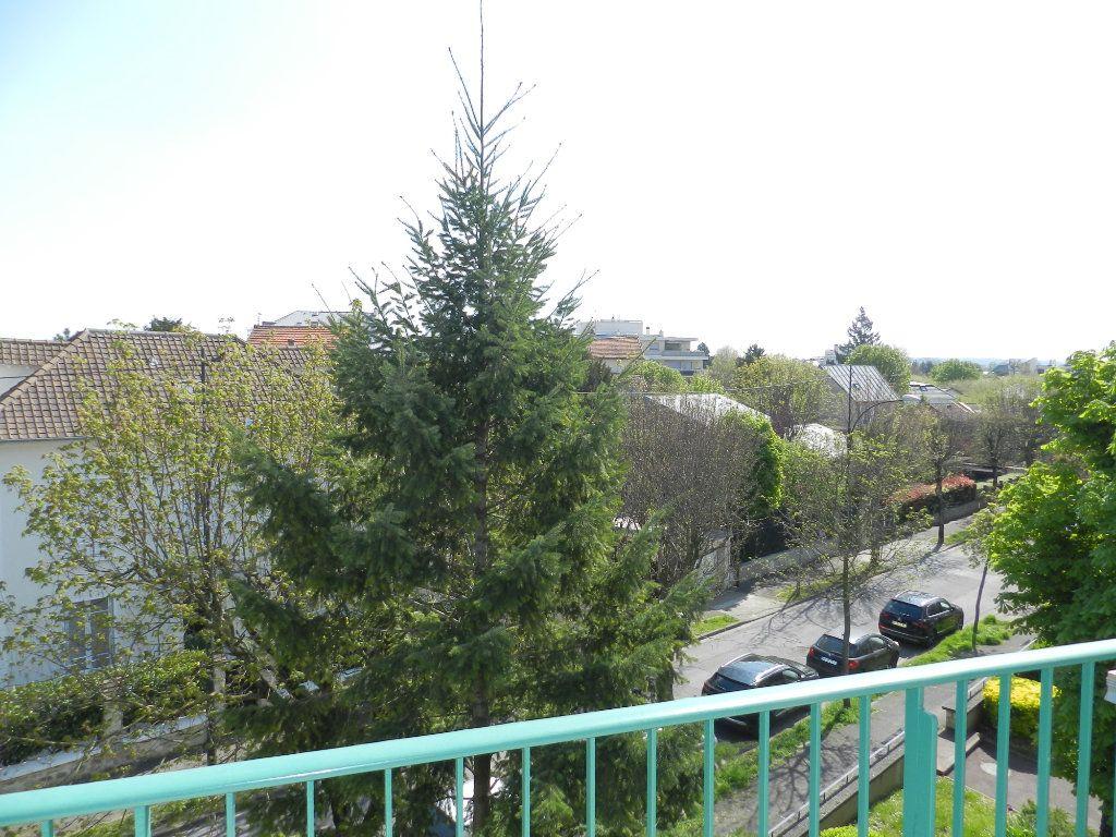 Appartement à vendre 3 61.46m2 à Saint-Maur-des-Fossés vignette-11