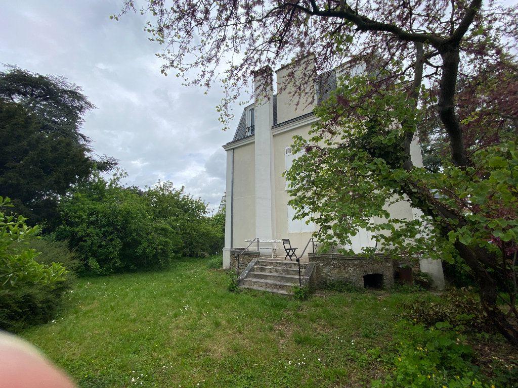 Maison à vendre 9 240m2 à Créteil vignette-2