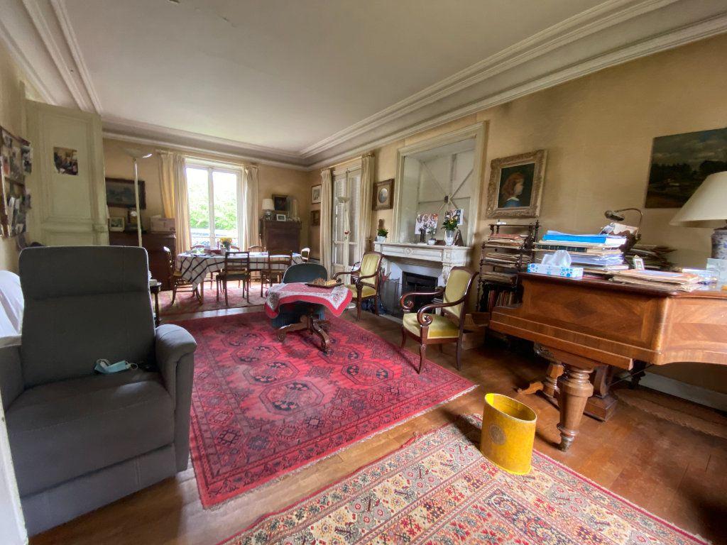 Maison à vendre 9 240m2 à Créteil vignette-4
