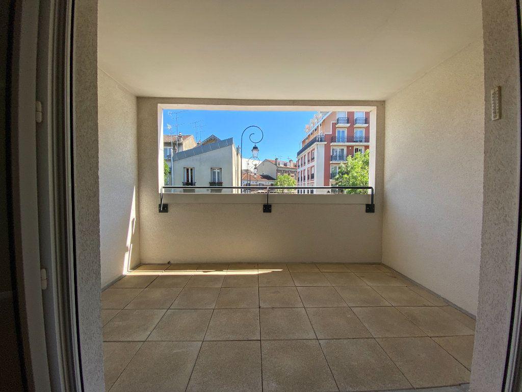 Appartement à louer 2 48.32m2 à Saint-Maur-des-Fossés vignette-3
