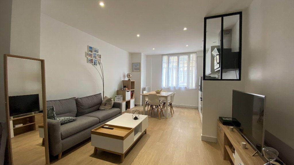 Appartement à louer 2 41.82m2 à Saint-Maur-des-Fossés vignette-1
