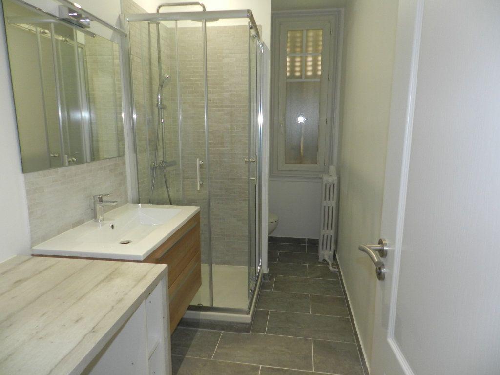 Appartement à louer 2 41.82m2 à Saint-Maur-des-Fossés vignette-6