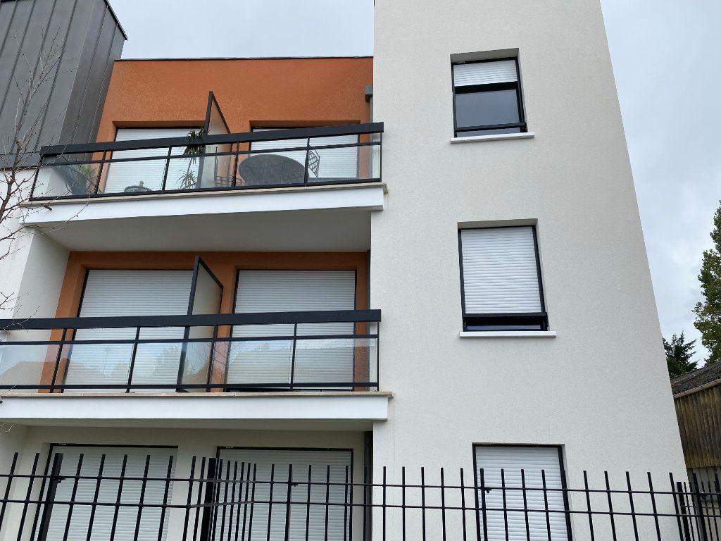 Appartement à louer 2 39.77m2 à Chennevières-sur-Marne vignette-1