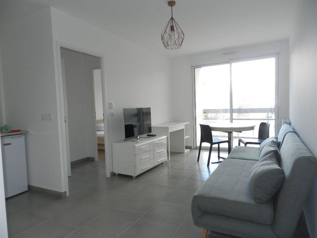 Appartement à louer 2 39.77m2 à Chennevières-sur-Marne vignette-2
