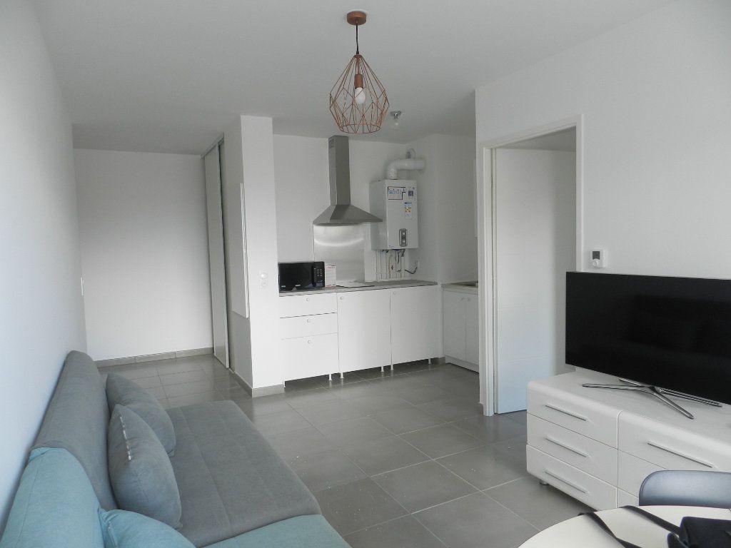 Appartement à louer 2 39.77m2 à Chennevières-sur-Marne vignette-3