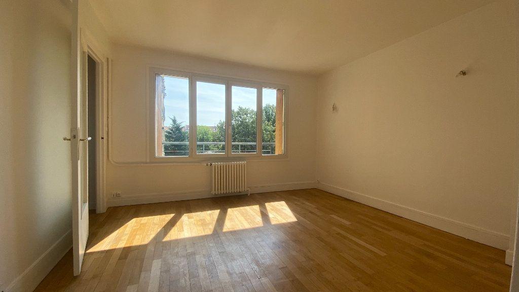Appartement à louer 2 44.26m2 à La Varenne - Saint-Maur-des-Fossés vignette-5
