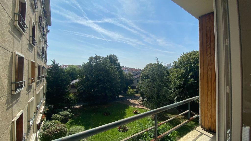 Appartement à louer 2 44.26m2 à La Varenne - Saint-Maur-des-Fossés vignette-6