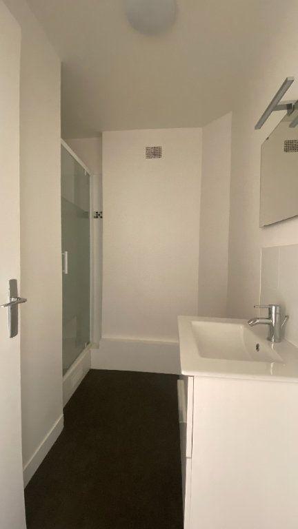 Appartement à louer 2 44.26m2 à La Varenne - Saint-Maur-des-Fossés vignette-7