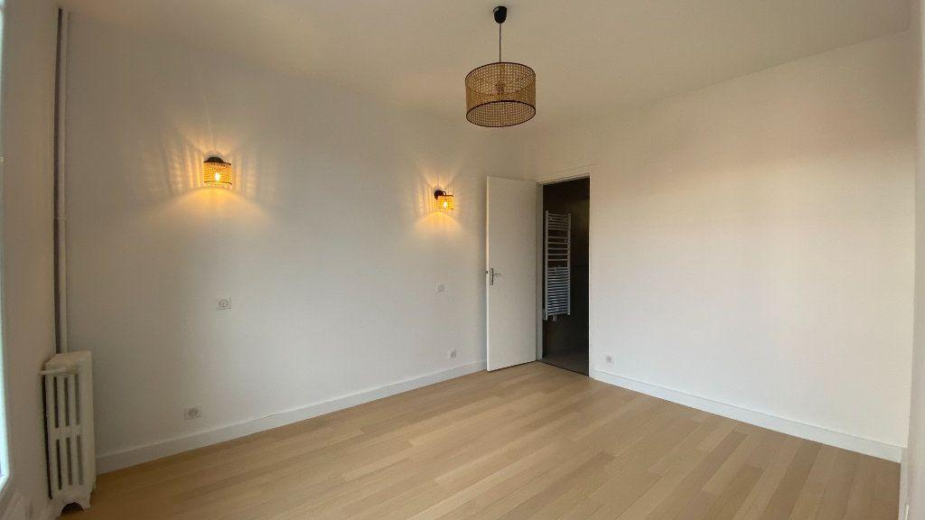 Appartement à louer 2 34.71m2 à La Varenne - Saint-Maur-des-Fossés vignette-4