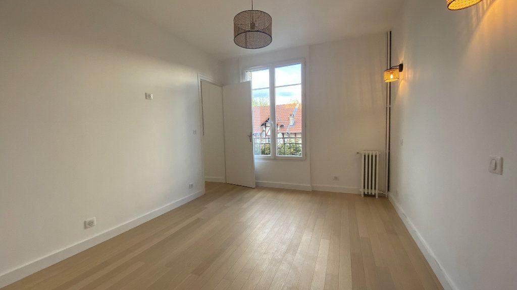 Appartement à louer 2 34.71m2 à La Varenne - Saint-Maur-des-Fossés vignette-5