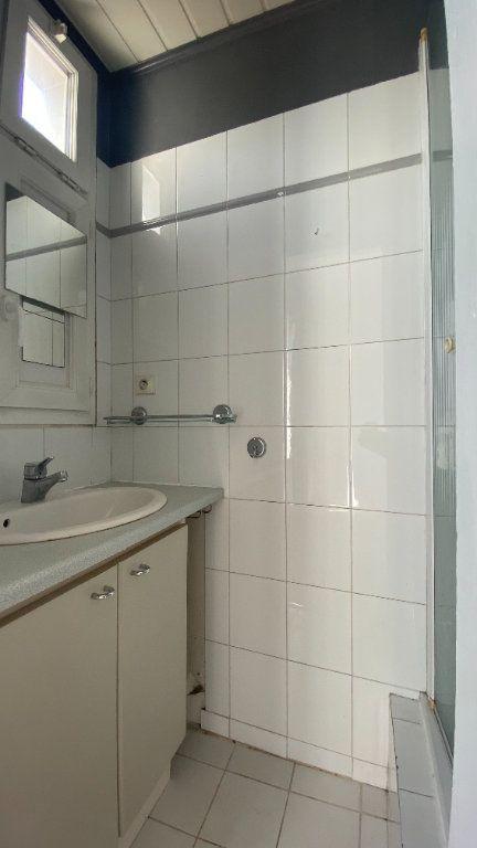 Appartement à louer 2 35.1m2 à La Varenne - Saint-Maur-des-Fossés vignette-6