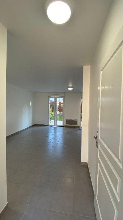 Appartement à louer 3 68.86m2 à Chennevières-sur-Marne vignette-2