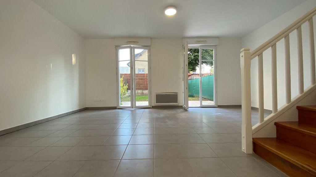 Appartement à louer 3 68.86m2 à Chennevières-sur-Marne vignette-4