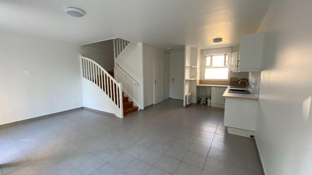 Appartement à louer 3 68.86m2 à Chennevières-sur-Marne vignette-5