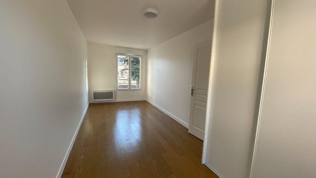 Appartement à louer 3 68.86m2 à Chennevières-sur-Marne vignette-9