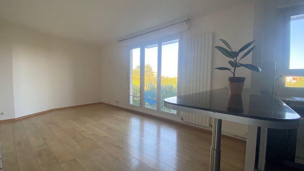 Appartement à louer 3 61m2 à Saint-Maur-des-Fossés vignette-1
